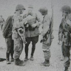 US troopers talking to a french officer on Youks-les-Bains airfield