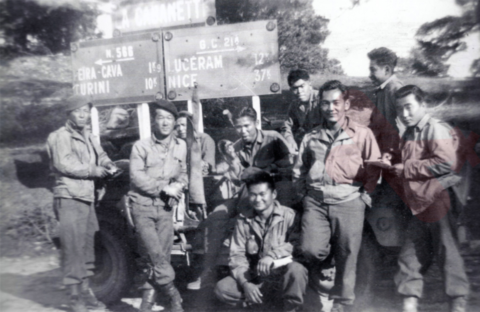 Nisei of the 442nd Antitank Company (part of the 517th PRCT) in a crossroad near Peïra-Cava in fall 1944. One of them wears a paratrooper jump jacket.