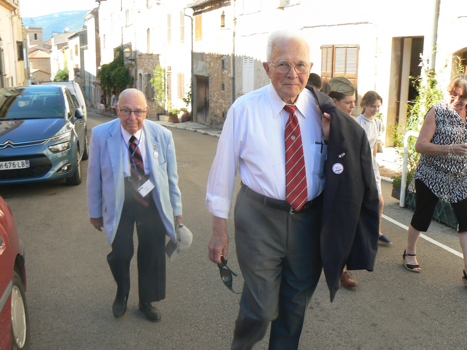 Leo and Allan during the commemorations of Saint-Cézaire-sur-Siagne, in August 2015.